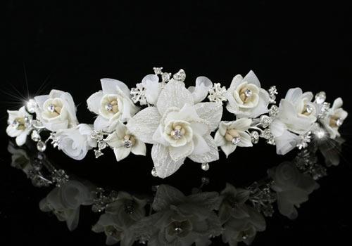 Диадема с цветами «Нежное прикосновение»
